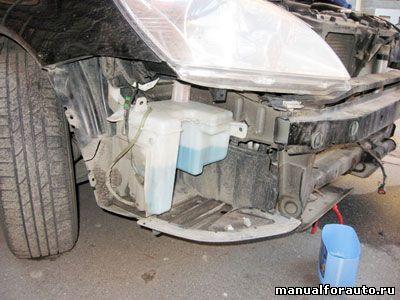 Снимаем бачок Mitsubishi Lancer