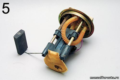 Фото №28 - ВАЗ 2110 замена топливного насоса