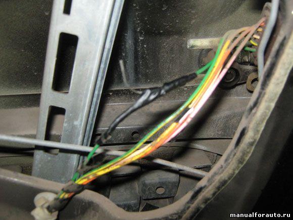 Передняя правая дверь Peugeot 206
